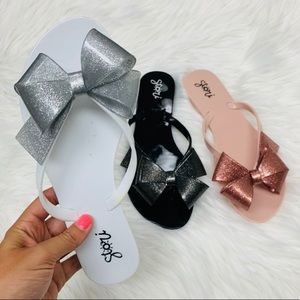 Shoes - White glitter jelly bow sandal